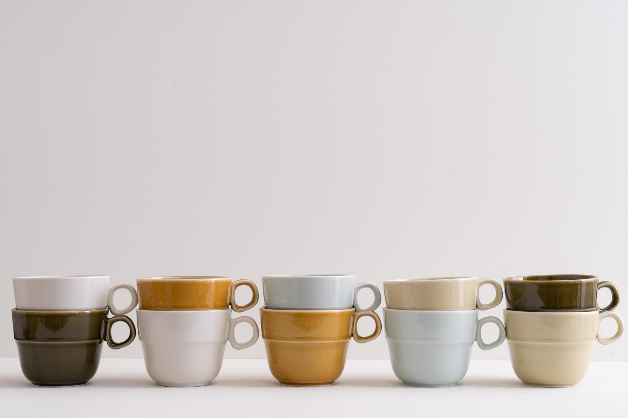吉田手工業デザイン室のTRIPWAREシリーズからスタッキングも出来る機能的でおしゃれなマグカップ。